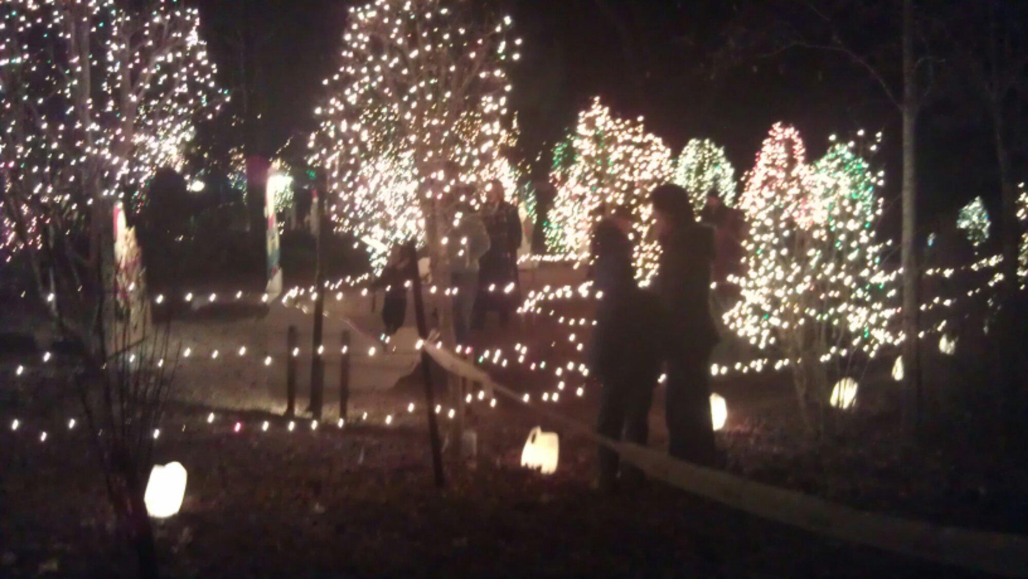 Purvis 圣诞灯展-祝弟兄姊妹们圣诞愉快,新年蒙恩!